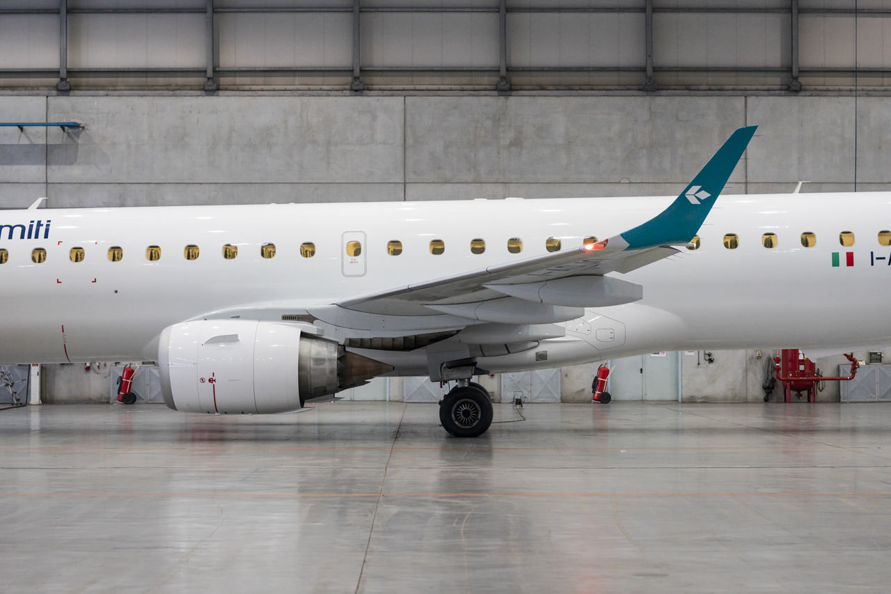 AirDolomitiPort-42